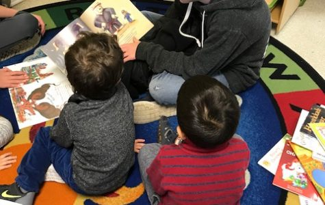 BOLT Peer Leaders Read to Preschoolers!