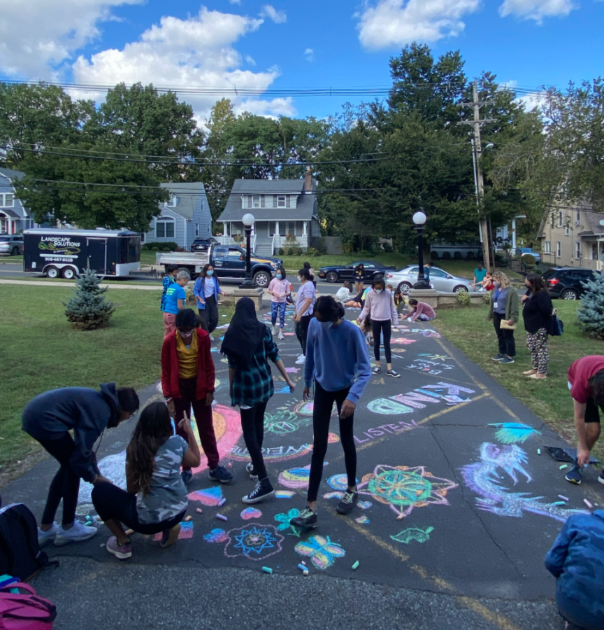 Building community: Chalk it up to the Peer Leaders!